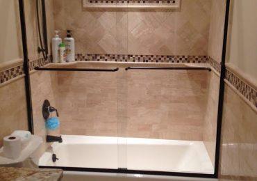 Semi frameless tub sliders straphire ( low iron ) glass